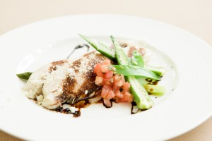 ○やわらか鶏むね肉低温調理 バルサミコソース